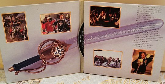 pochette intérieure du CD monotitre promo All for love - The three musketeers