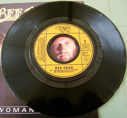 face 1 du Collector des Bee Gees - The woman in you pour le film Stayin' alive