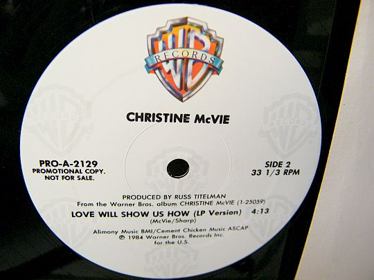 face B du maxi promo de Christine McVie - Love will show us how