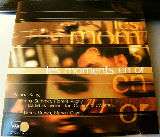jaquette recto de la compilation promotionnelle Moments en or