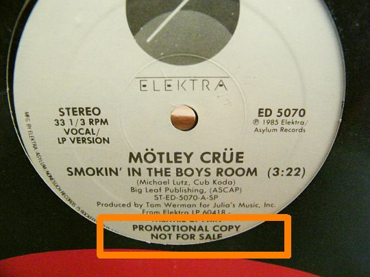 maxi 33 Smokin' in the boys room par Mötley Crüe