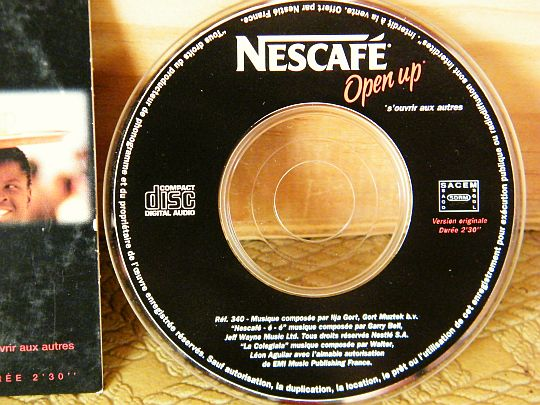 mini CD promotionnel Collector Open Up pour NESCAFE