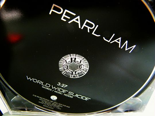 CD monotitre promo World wide suicide Collector par Pearl Jam