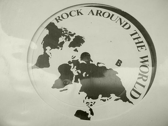 label central du LP Collector Rock around the world