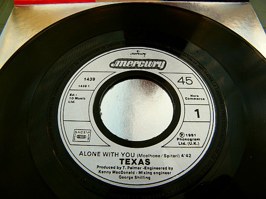 version Edit promo du 45 tours hors commerce de Texas - Alone with you