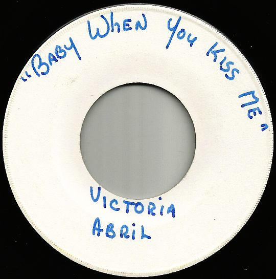 45 tours White Label face A de Victoria Abril - Baby when you kiss me