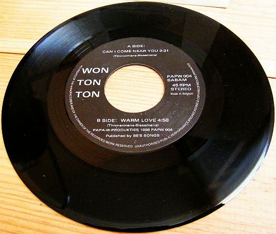 disque 45 tours de Won Ton Ton face B - Warm love